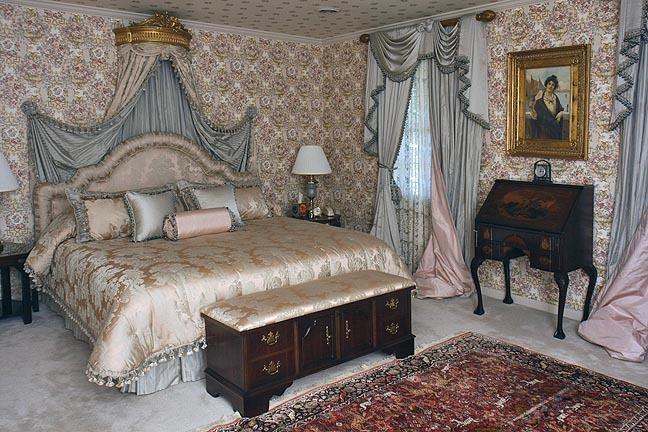 A Fine Bristol Tennessee World Class Auction - The Joseph S. Loprete Collection - 13890.jpg