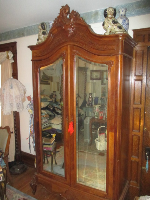 Large Antiques Living Estate Auction, Bristol TN - IMG_1042.JPG