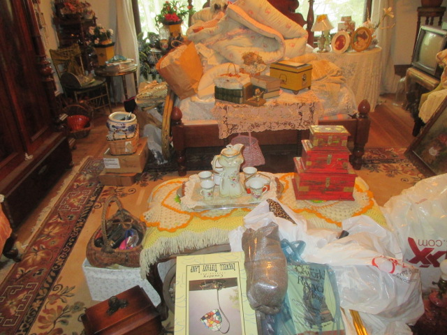 Large Antiques Living Estate Auction, Bristol TN - IMG_1056.JPG