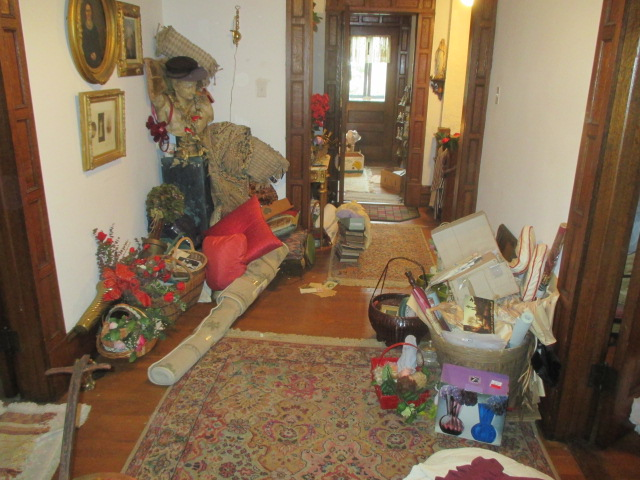 Large Antiques Living Estate Auction, Bristol TN - IMG_1078.JPG