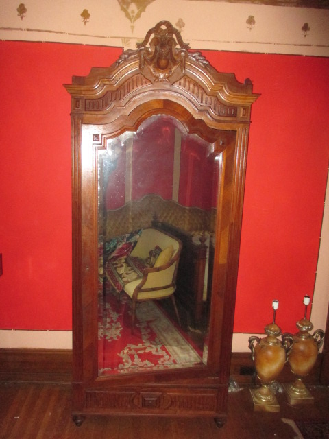 Large Antiques Living Estate Auction, Bristol TN - IMG_2500.JPG