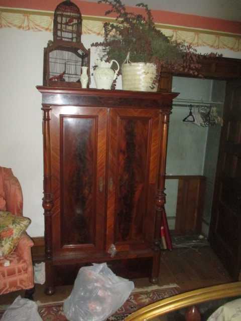 Large Antiques Living Estate Auction, Bristol TN - IMG_2504.JPG