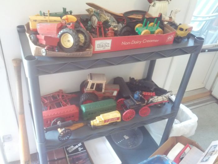 John Cole Estate Auction-Tools. Knives, Toys, Trains, Guns and More Elizabethton - IMG_20140829_114637.jpg