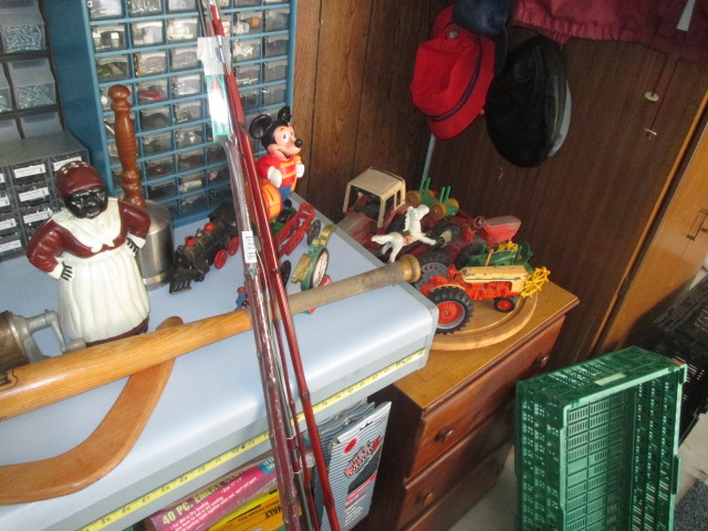 John Cole Estate Auction-Tools. Knives, Toys, Trains, Guns and More Elizabethton - IMG_2559.JPG