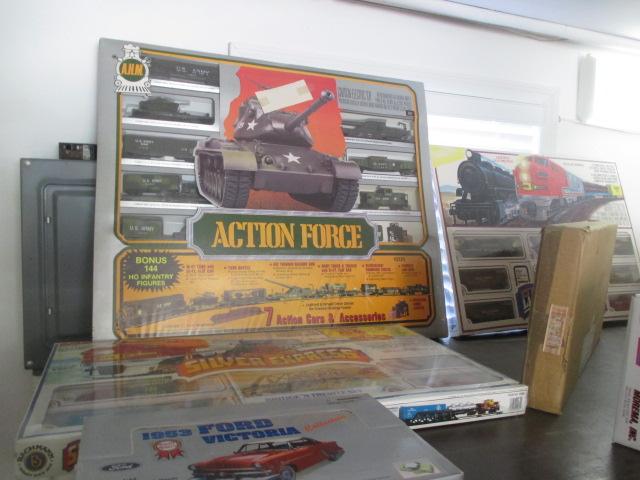 John Cole Estate Auction-Tools. Knives, Toys, Trains, Guns and More Elizabethton - IMG_2927.JPG