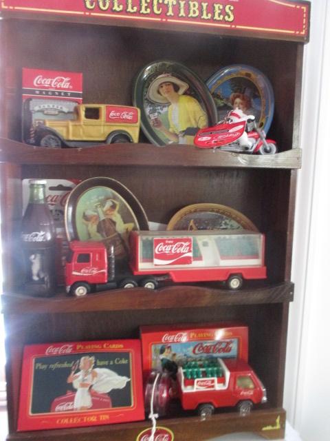 John Cole Estate Auction-Tools. Knives, Toys, Trains, Guns and More Elizabethton - IMG_2942.JPG