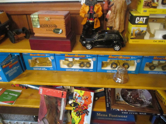 John Cole Estate Auction-Tools. Knives, Toys, Trains, Guns and More Elizabethton - IMG_2951.JPG
