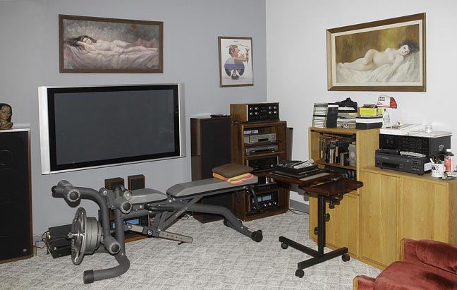 Dr. Ed E Perry, Elizabethton  Tennessee=  Real Estate Upscale Auction Autos, Antiques, Mcintosh Stereo, Coins, Bullion and more - JP_1465.jpg