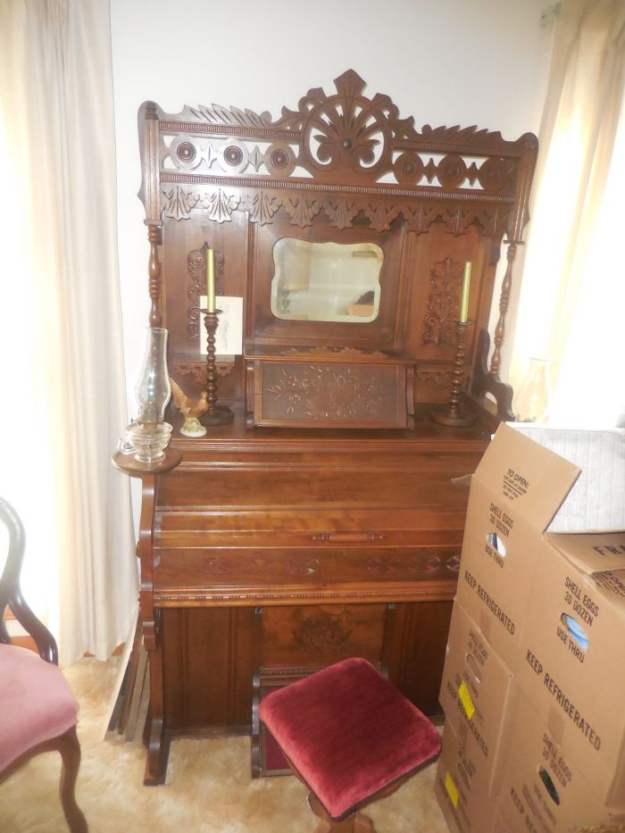 Gladys Cornelius Estate Auction Over 300 pieces of Cumbo China - DSCN2202.JPG