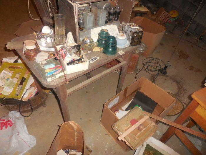Gladys Cornelius Estate Auction Over 300 pieces of Cumbo China - DSCN2208.JPG