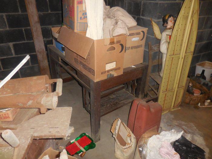 Gladys Cornelius Estate Auction Over 300 pieces of Cumbo China - DSCN2214.JPG