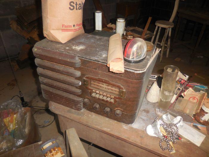 Gladys Cornelius Estate Auction Over 300 pieces of Cumbo China - DSCN2215.JPG