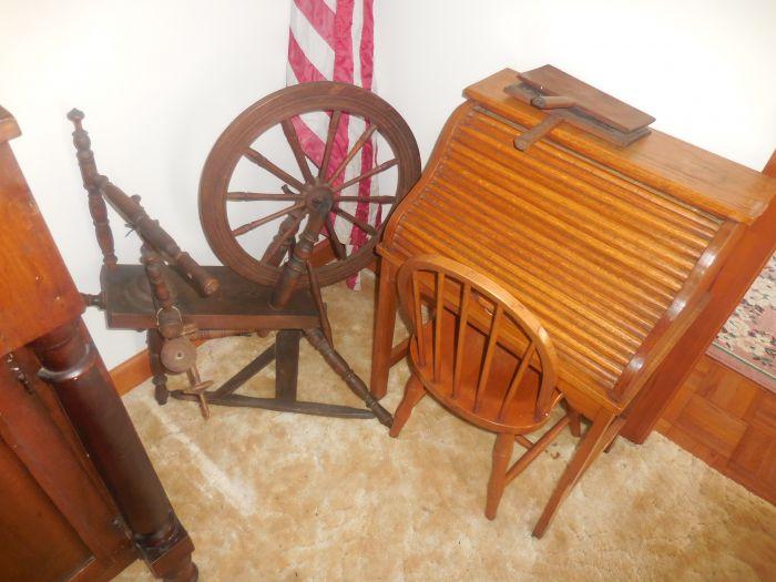 Gladys Cornelius Estate Auction Over 300 pieces of Cumbo China - DSCN2228.JPG