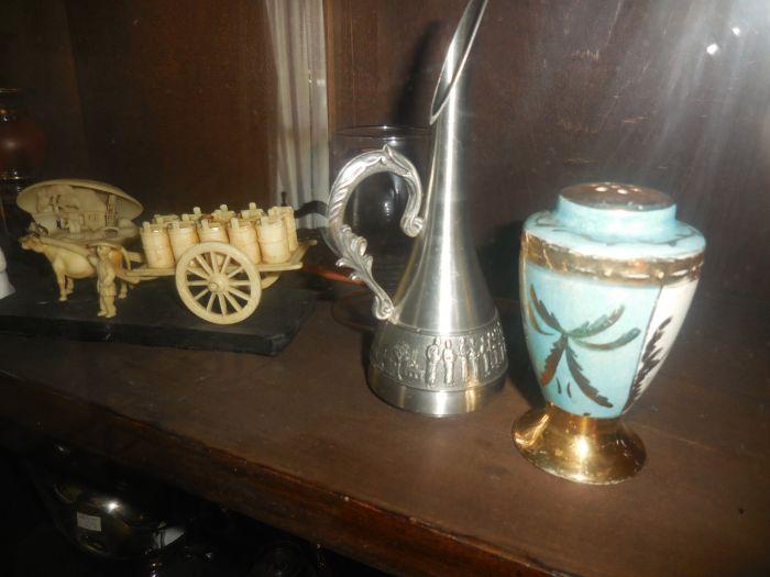 Gladys Cornelius Estate Auction Over 300 pieces of Cumbo China - DSCN2229.JPG