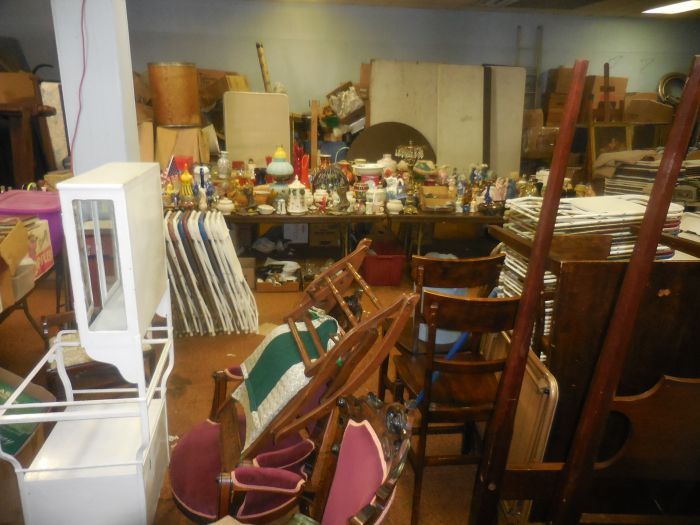 Labor Day Monday Auction  11 am Estates, Toys, Fine Quilts and much more. - DSCN2863.JPG