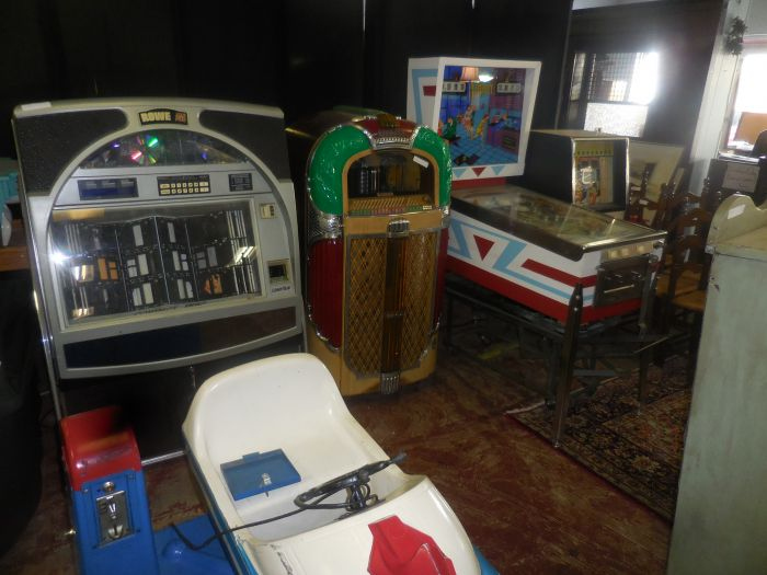 Labor Day Monday Auction  11 am Estates, Toys, Fine Quilts and much more. - DSCN2961.JPG