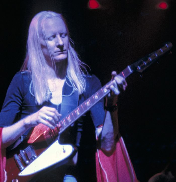 Past Auctions - johnny_winter_1.jpg