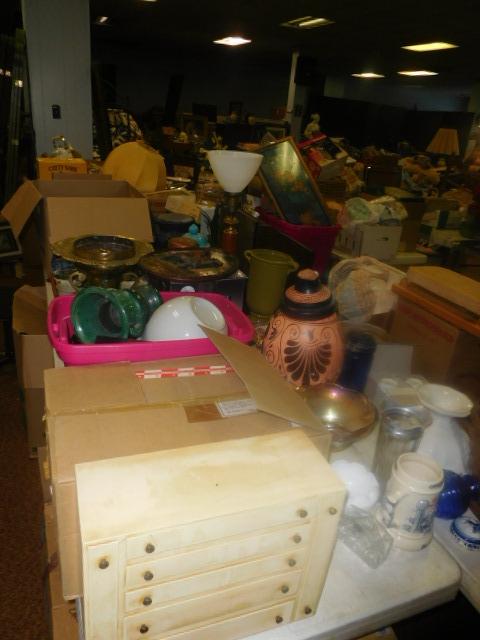 Labor Day Monday Estates- Dont Miss this auction- Unbelievable  - DSCN0675.JPG
