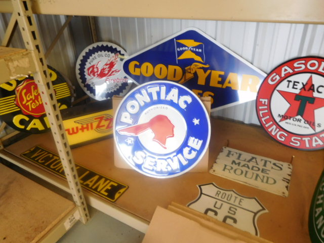 Century Enterprises- Autos and Parts- Motor Bikes- Advertising- Engines-Office items and More-Piney Flats, Tn - DSCN0842.JPG