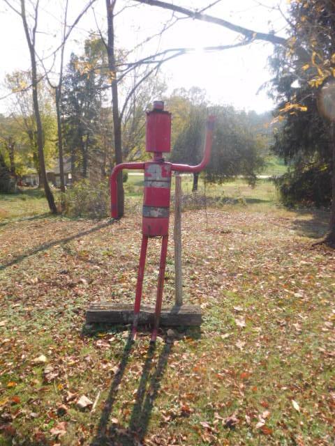 Yard Art, Stones, Carving,Vessels, Whirligigs, Folk Art from the Estate Of Mark King - DSCN1303.JPG