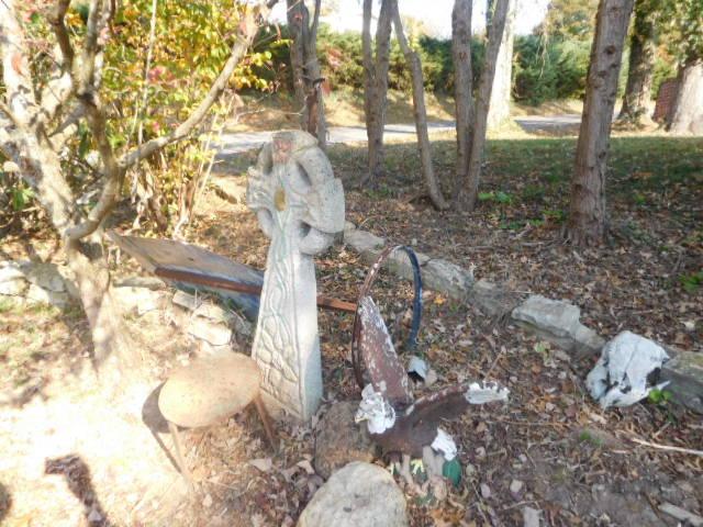 Yard Art, Stones, Carving,Vessels, Whirligigs, Folk Art from the Estate Of Mark King - DSCN1309.JPG