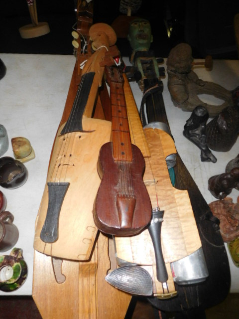 New Years Day Estates , Antique, and Martin Guitar Auction - DSCN1659.JPG