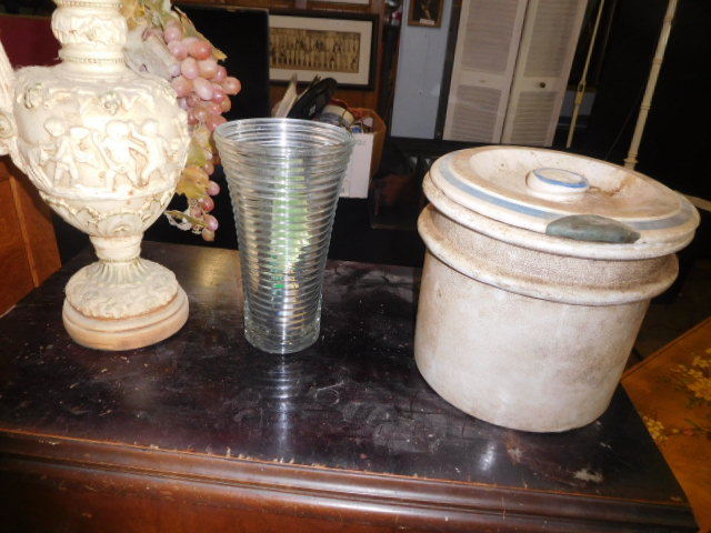 Estate Auction with some cool items - DSCN1908.JPG