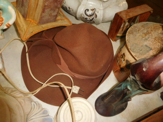 Estate Auction with some cool items - DSCN1950.JPG