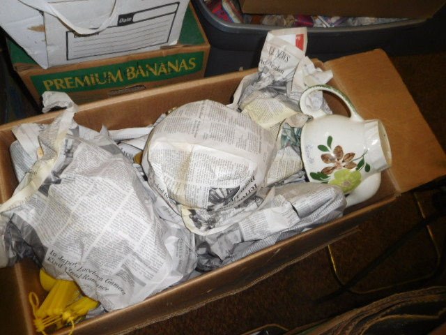 Estate Auction with some cool items - DSCN1965.JPG