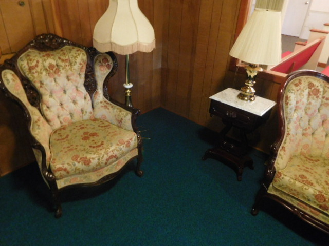 Erwin Memorial Funeral Home  Erwin Tennessee.....Antiques- Office -Pews and more - DSCN4635.JPG