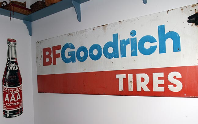 Greg Hensley Estate Auction -Blountville Tennessee - JP_3617_LO.jpg