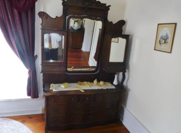 The Old Butler Mansion in Hampton Tennessee - DSCN6774.JPG
