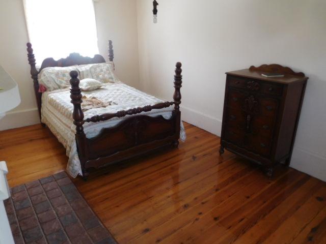 The Old Butler Mansion in Hampton Tennessee - DSCN6791.JPG