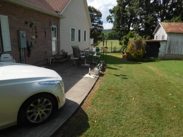 Armetta Blevins Hunigan Estate Auction - DSCN7000.JPG