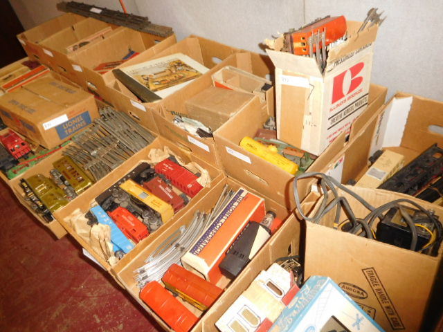 Antiques and Estates Auction New Years Day- Dr. Ralph Van Brocklin Crocks and  Advertising, Don and Shirley Kay  Collection, Charlie Green Bottle Collection and much more - DSCN8206.JPG