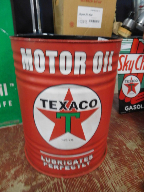 Advertising, Large Keen Kutter, Vintage toy, Jars Etc two Estate Collections - DSCN9513.JPG