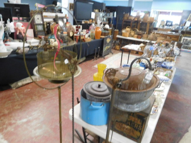 The Joanne and Joe Deyton Estate Collection Auction - DSCN9499.JPG