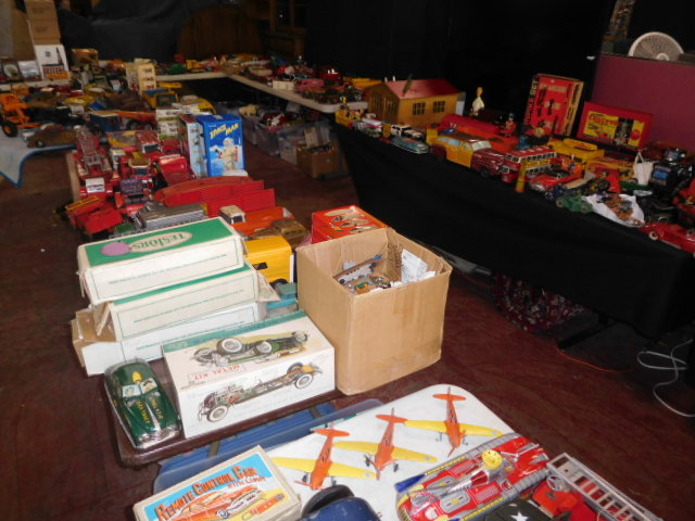 The Dave Berry Toy Auction - DSCN9806.JPG