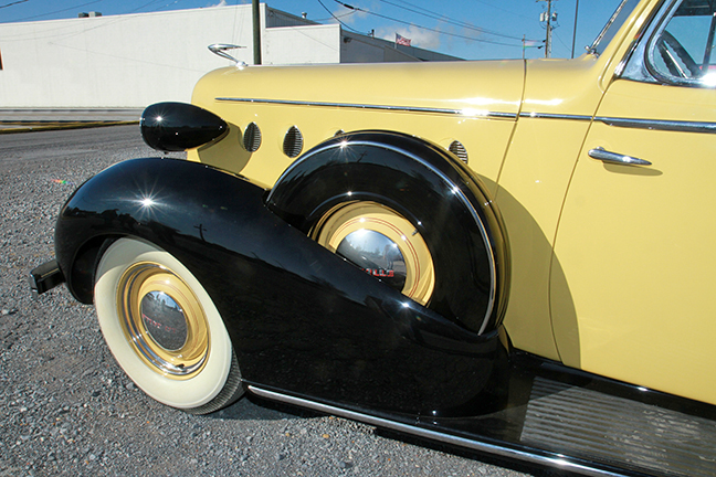 David Berry Estate Auction New Years Day-1935 LaSalle, 1936 Ford, Mascots, Antique Pharmacy items and more - 6113.jpg