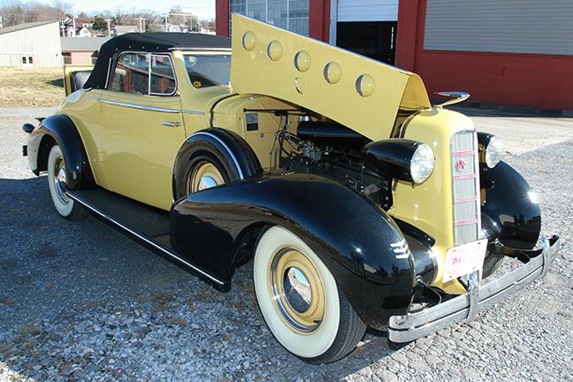 David Berry Estate Auction New Years Day-1935 LaSalle, 1936 Ford, Mascots, Antique Pharmacy items and more - 6115.jpg