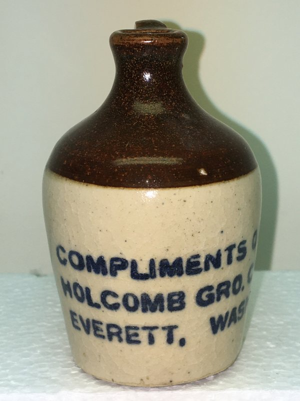 Ralph Van Brocklin Estate- Bottles- Post and Trade cards--Mini Jugs and other advertising - IMG_3051.JPG
