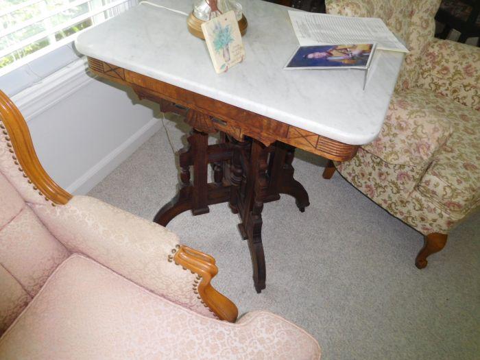 Sonja Fox Estate Auction - DSCN9646.JPG