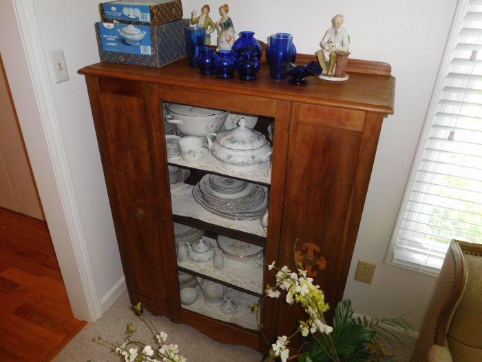 Sonja Fox Estate Auction - DSCN9650.JPG