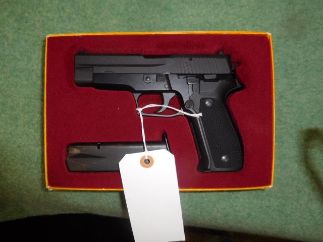 Robert Kelley Ward Estate Gun Auction - DSCN9945.JPG