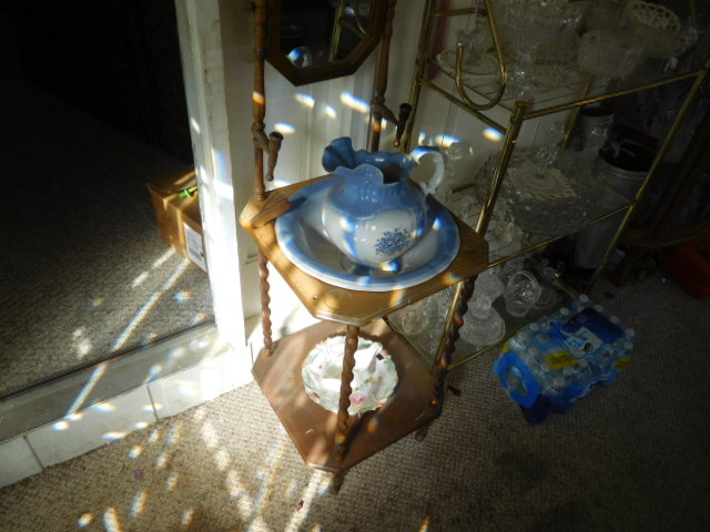 Charles Ensor Estate Auction on site in Carter County Tennessee - DSCN9838.JPG